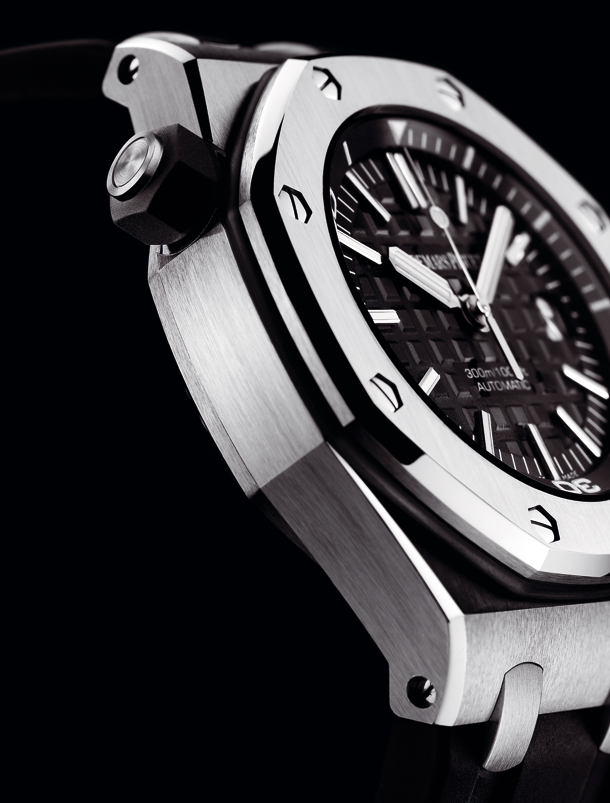 Audemars Piguet Royal Oak Offshore Diver 15703ST.OO.D002CA.01