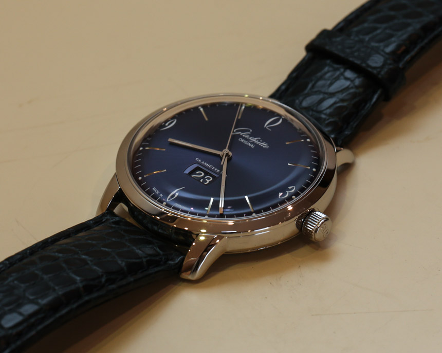 Glashutte-Original-Senator-Sixties-Panorama-Date-blue-11