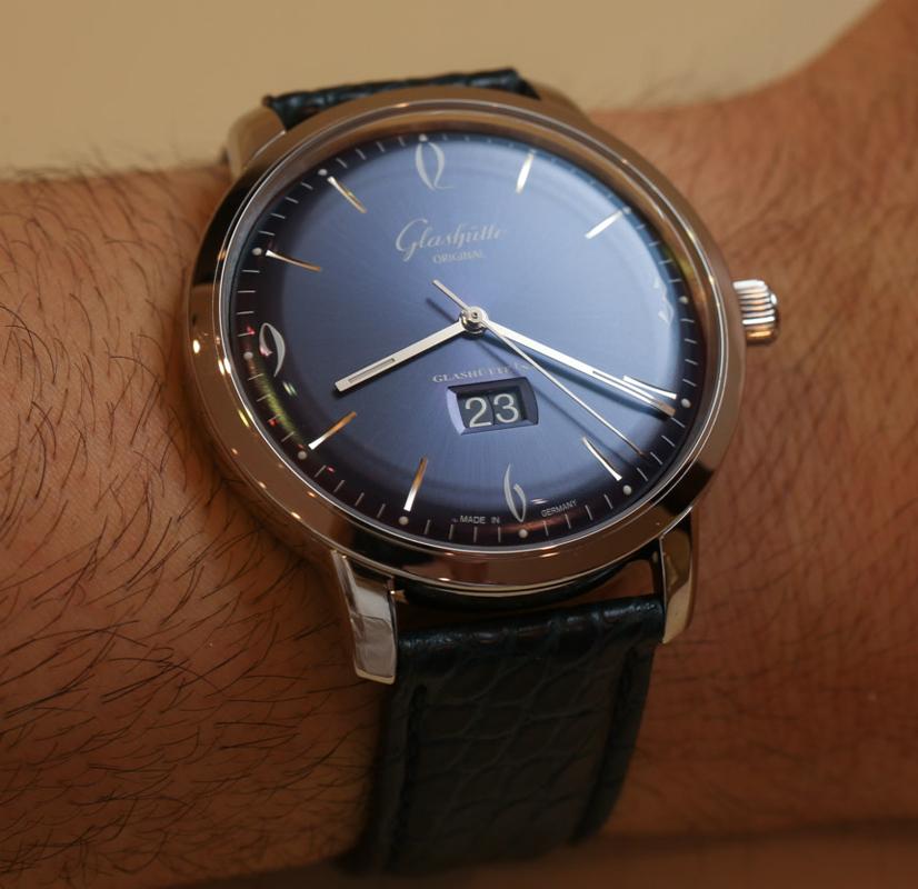 Glashutte-Original-Senator-Sixties-Panorama-Date-blue-6