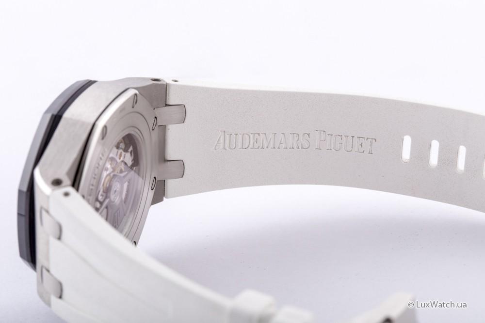 Audemars-Piguet-Royal-Oak-Offshore-Chronograph-44mm-26401PO-OO-A018CR-01- 12