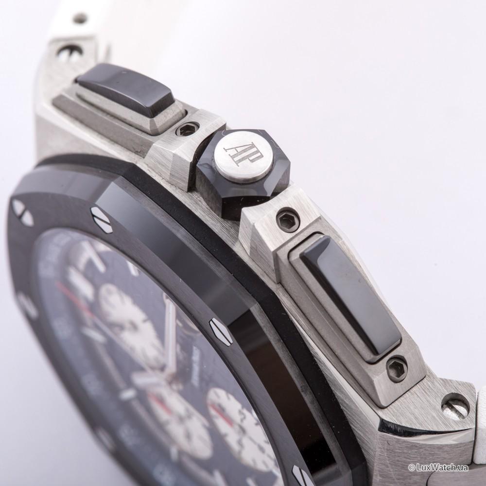 Audemars-Piguet-Royal-Oak-Offshore-Chronograph-44mm-26401PO-OO-A018CR-01- 14