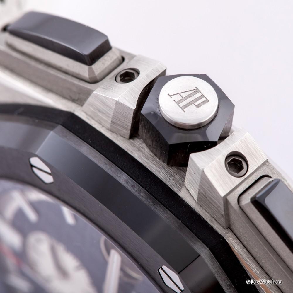 Audemars-Piguet-Royal-Oak-Offshore-Chronograph-44mm-26401PO-OO-A018CR-01- 15