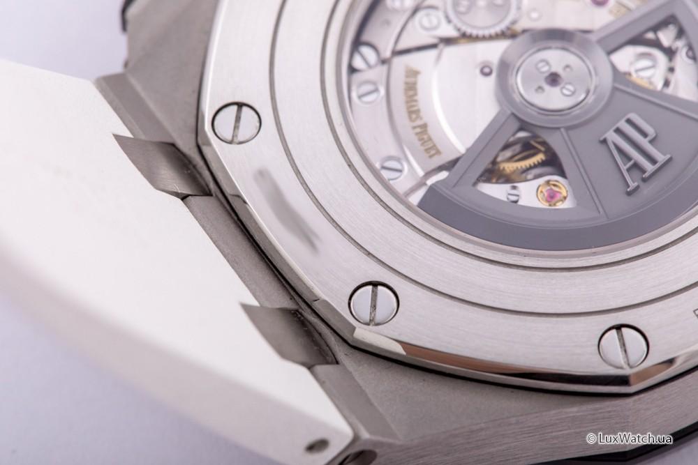Audemars-Piguet-Royal-Oak-Offshore-Chronograph-44mm-26401PO-OO-A018CR-01- 17