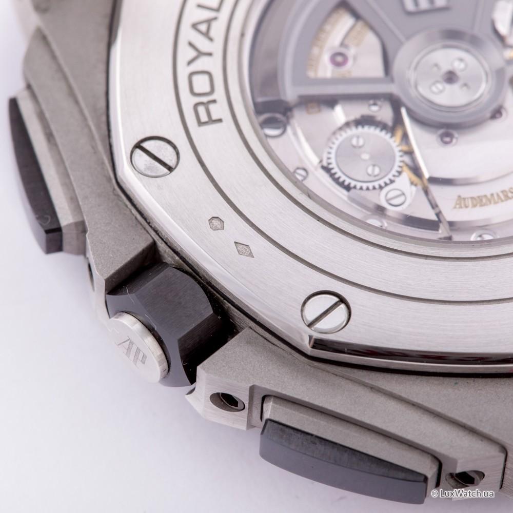 Audemars-Piguet-Royal-Oak-Offshore-Chronograph-44mm-26401PO-OO-A018CR-01- 21