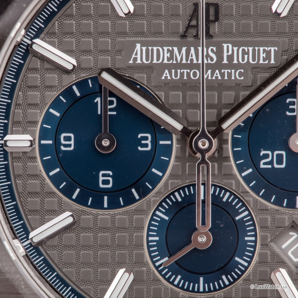 Audemars-Piguet-Royal-Oak-Royal-Oak-Chronograph-41-mm-26331IP-OO-1220IP-01- 8