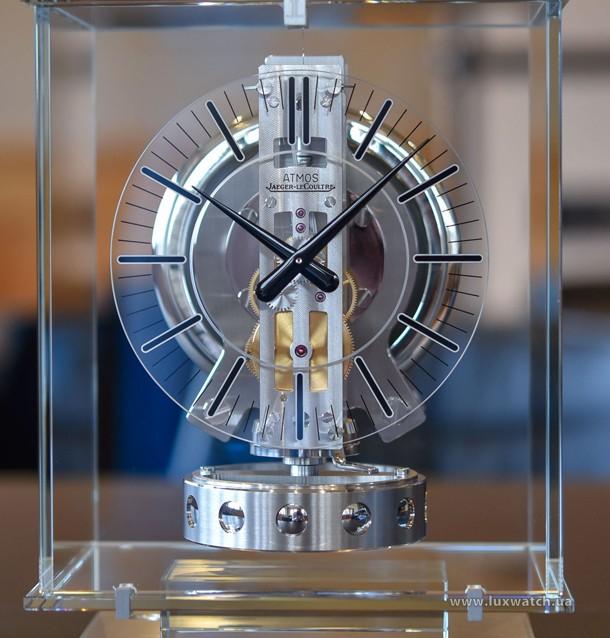 Jaeger-LeCoultre-Atmos-Transparente-2019-Review-4
