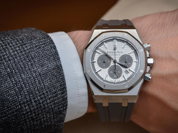 Audemars-Piguet-Royal-Oak-Chronograph-QEII-Cup-2015-Limited-Edition-4