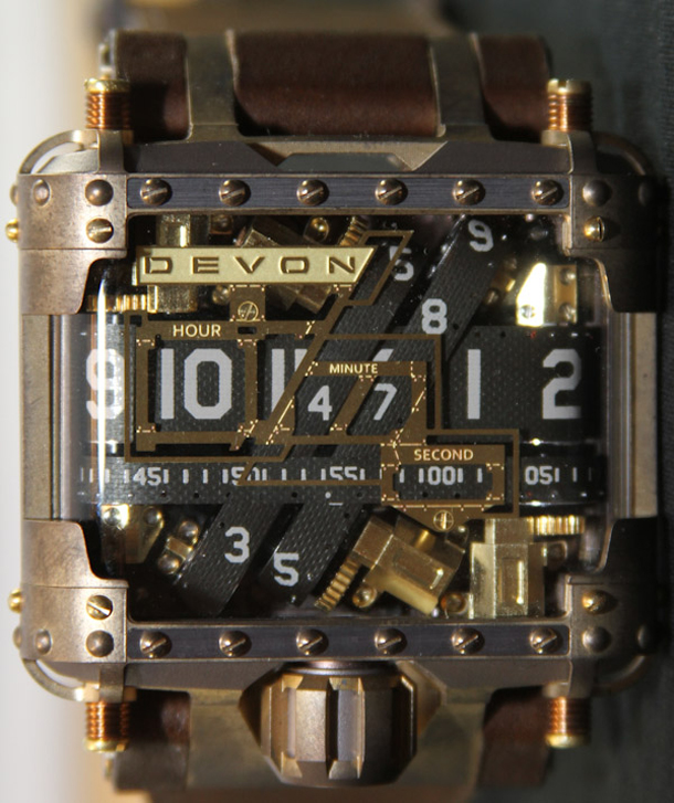 Devon-Tread-1-Steampunk-watch-1