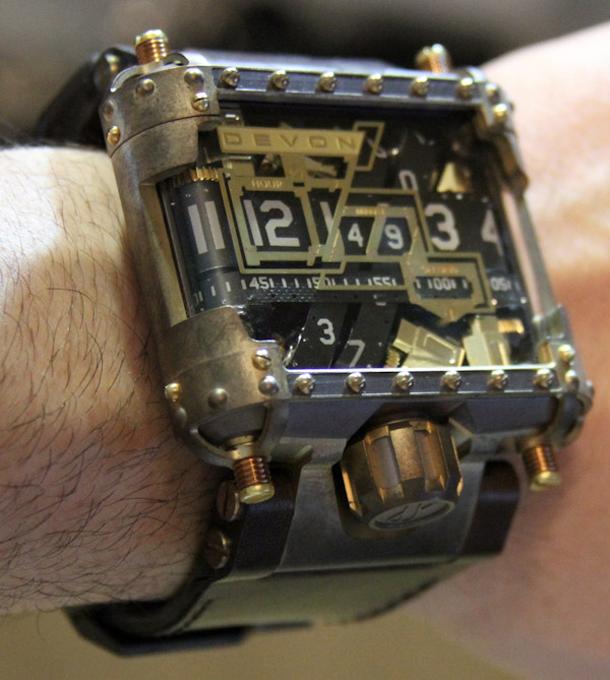 Devon-Tread-1-Steampunk-watch-15