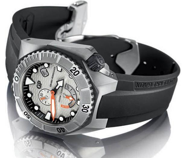 Girard-Perregaux-Sea-Hawk-Side-Silver-Dial