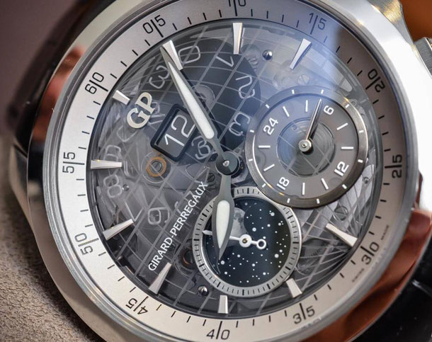 Girard-Perregaux-Traveller-Large-Date-Moonphase-GMT-sapphire-dial-5