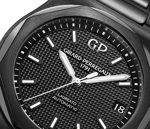 Girard-Perregaux-Laureato-42mm-Black-Ceramic-7