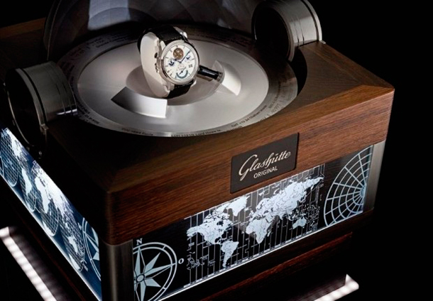 Glashutte-Grande-Cosmopolite-Tourbillon-display