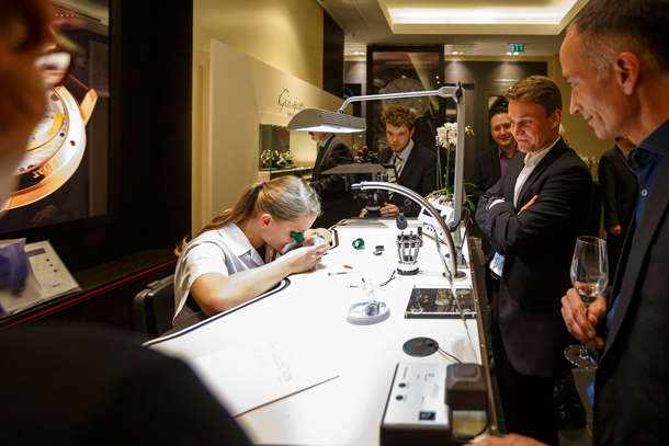/Watchmaker_with_guests-0153_Original_12022