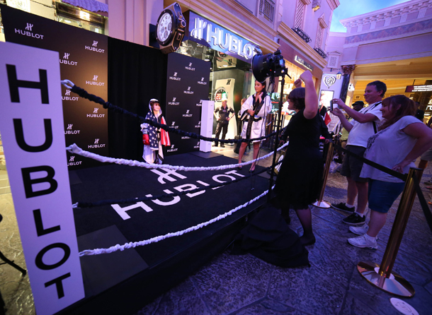 boxing-ring-in-front-of-the-hublot-boutique