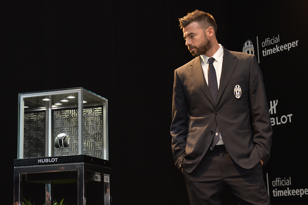 andrea-barzagli-unveiling-the-big-bang-unico-bi-retrograde-juventus-lapresse