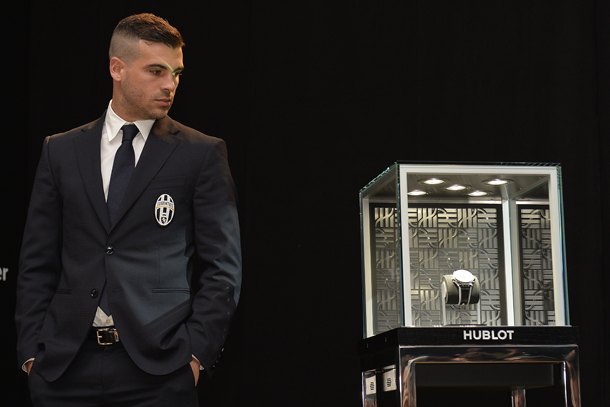 stefano-sturaro-unveiling-the-big-bang-unico-bi-retrograde-juventus-lapresse