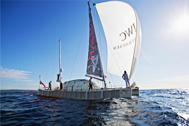 IWC1108plastiki_boat