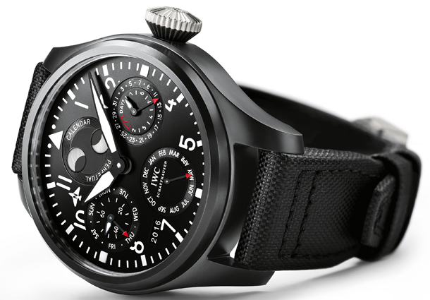 IWC_IW502902_Big-Pilot's-Watch-PPC_TOP-GUN_Lifestyle