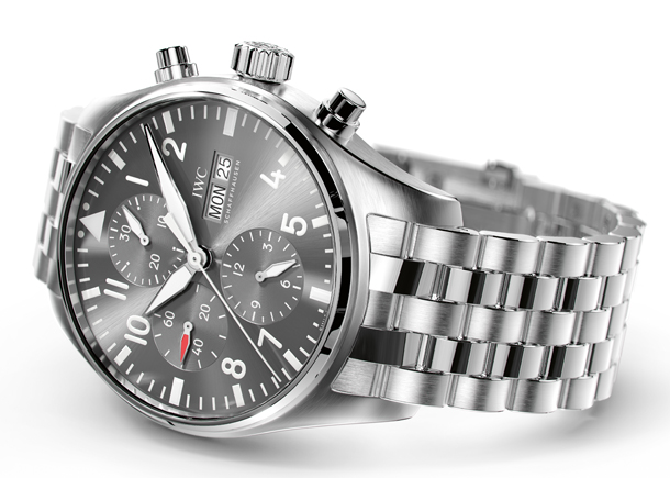 IWC_IW377719_PT_Chronograph_Spitfire_Lifestyle