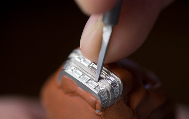 jaeger-lecoultre-reverso_one_high_jewelry-gem-setting