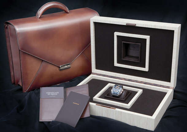 Maitres-du-Temps-Briefcase-Set-Presentation-2