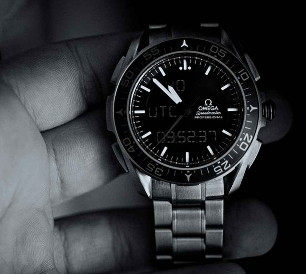 Omega-Speedmaster-X-33-Skywalker-1