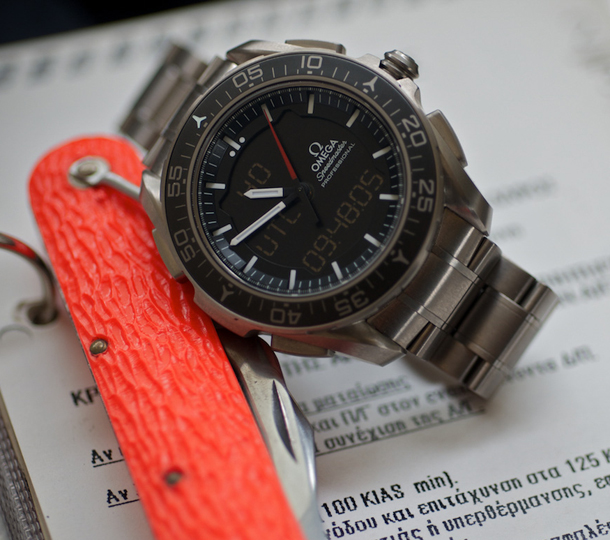 Omega-Speedmaster-X-33-Skywalker-11