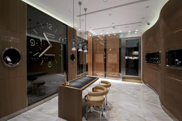 Panerai-La-Jolla-Boutique-Inside-620x412
