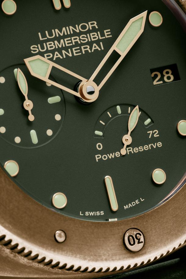 Panerai-PAM-507-Bronze-Dial-Closeup