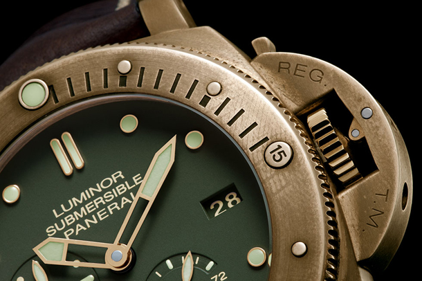 Panerai-PAM-507-Bronze-Dial-and-Crown-Closeup