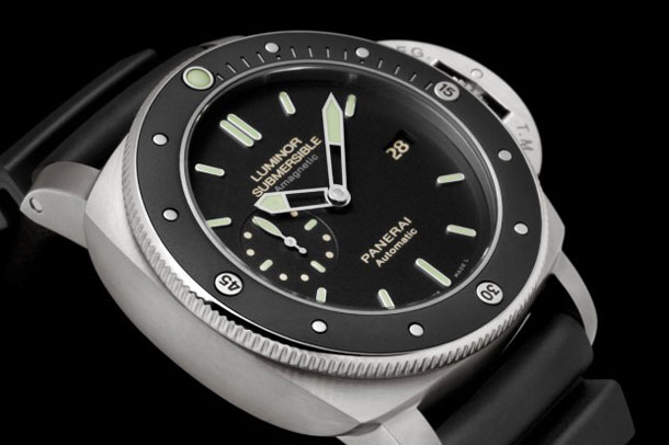 Panerai-PAM-389-Amagnetic-Luminor-Submersible