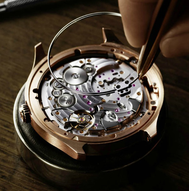 Piaget-Emperador-Coussin-Ultra-Thin-Minute-Repeater-Watch-movement