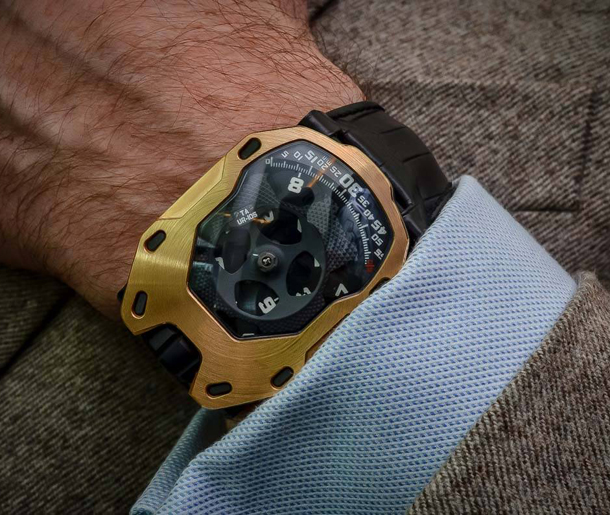 URWERK-UR-105-TA-automatic-Knight-10
