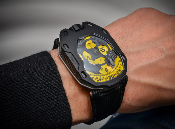 URWERK-UR-105-TA-automatic-Knight-8